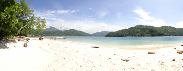 Pantai Timur Pulau Kelapa