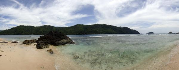 Pantai Selatan Pulau Kelapa