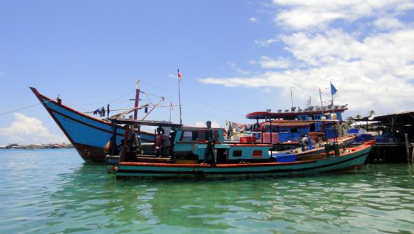 merapat di Pulau Balai