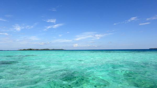 laut biru kehijauan