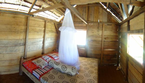 kamar dengan kelambu