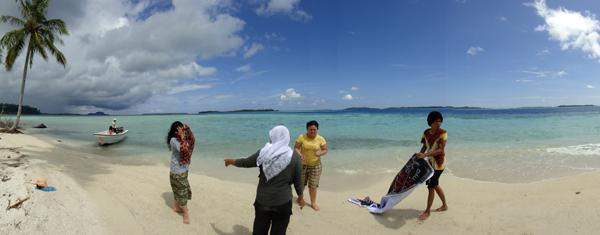berfoto di Pulau Pandan