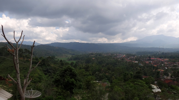 Mendung di Bukit Purajaya