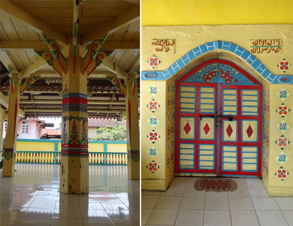 tiang utama beranda (kiri);pintu masjid (kanan)