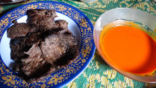 Dendeng Batokok - daging khas dalam  lembut beraorma kelapa dan rempah