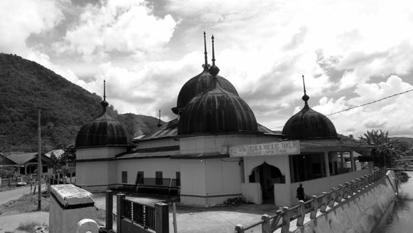 Masjid Lamo Lempur Tengah