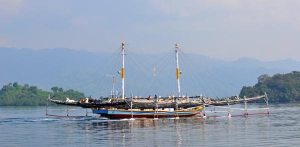 kapal berbentuk bagan