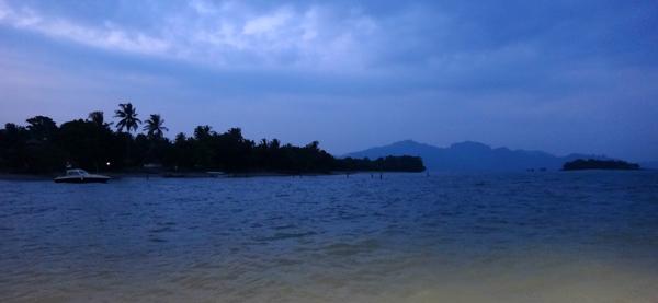 keheningan senja di Pulau Sebesi