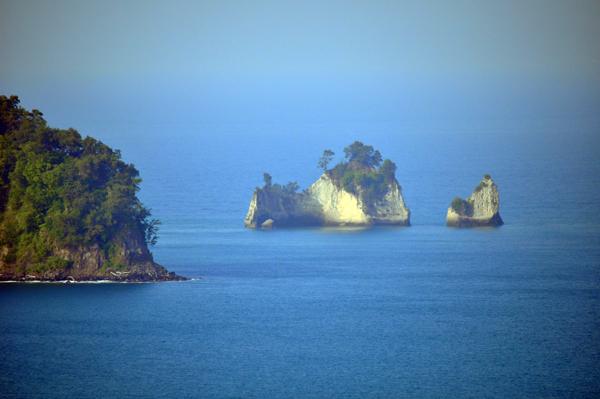 daratan baru di sekitar pulau Rakata