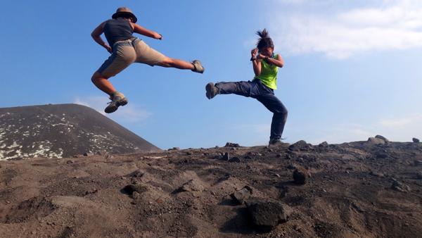 bertarung di puncak anak Gunung Krakatau