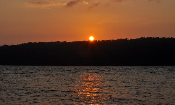 sunrise - sebelum mendepi di Anak Krakatau