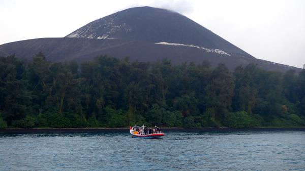 Pesona Anak Gunung Krakatau