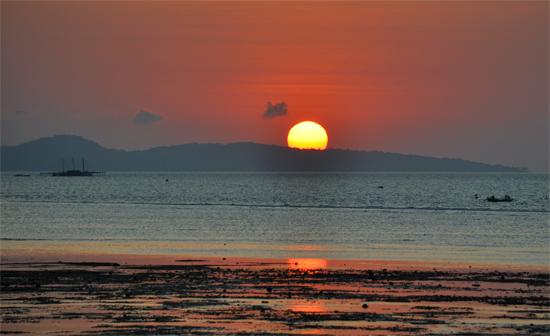 Sejengkal Waktu - menikmati sunset di pantai pasir panjang, Kupang