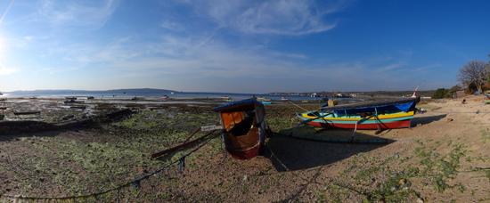 kampung nelayan - di dekat pelabuhan Dolop