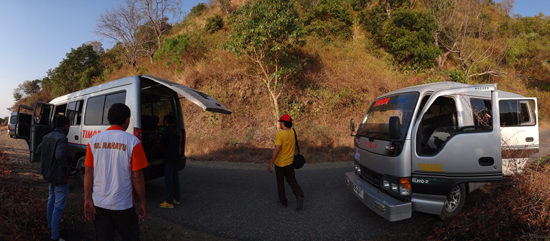 kuning - bukit gersang sepanjang jalan