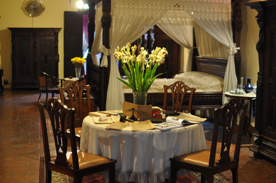 nuansa romantis - kamar tidur Tjong A Fie