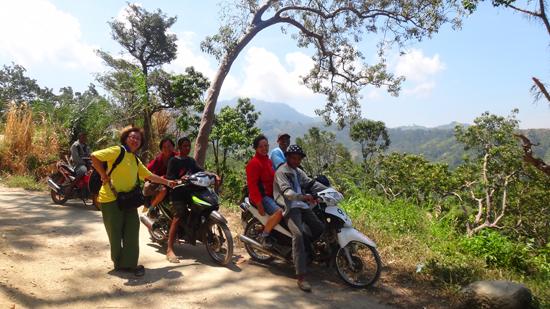 Off Road - Perjalanan menuju desa Poma
