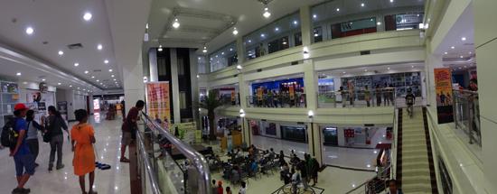 mall tiga lantai kebanggaan warga Timor Leste
