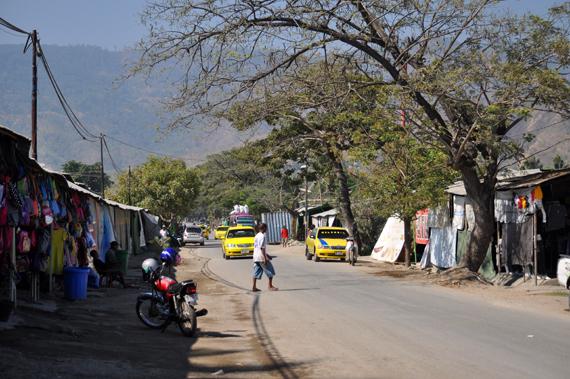 Pusat Grosiran - Pasar di Kampung Alor, Dili Timor Leste