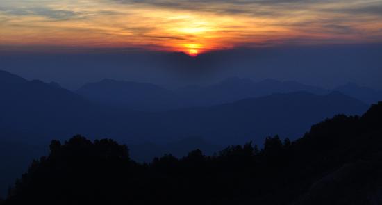 sunrise di Taman Nasional Kelimutu