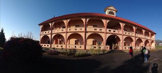 rumah retret Mataloko bergaya Eropa