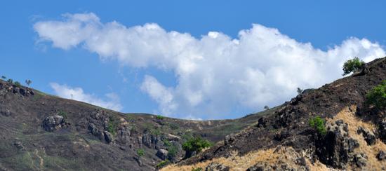 megahnya awan dan langit di Kajuwulu