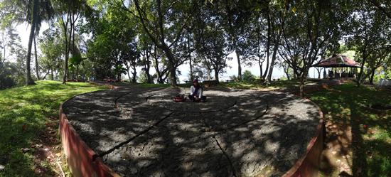 taman di puncak gunung padang