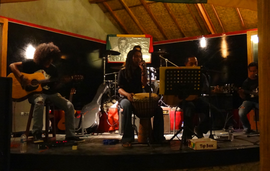 Live Music - Paragon Bar and Resto