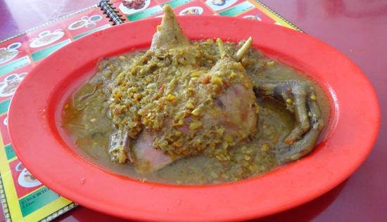 Bebek Betutu - hidangan khas Bali