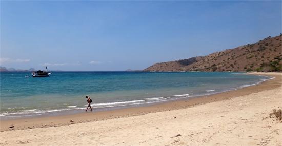 pantai daya tarik lain pulau Komodo
