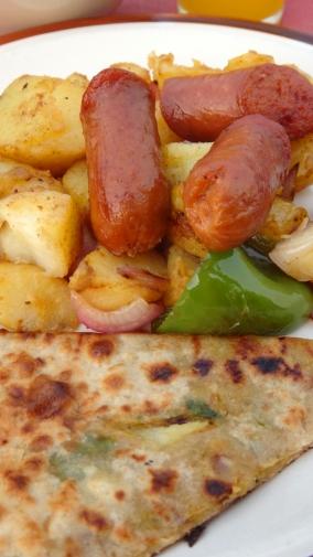 roti cane, kentang dan sosis