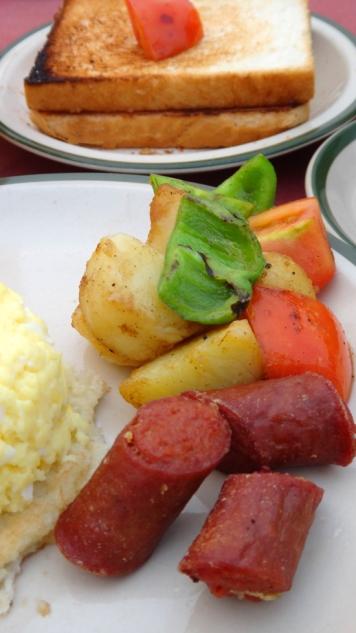 roti + telur + sosis = sarapan jilid 3