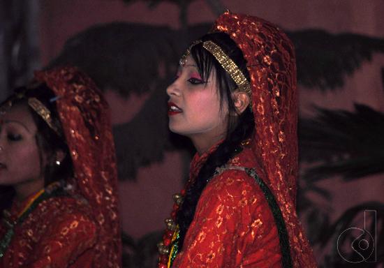 tarian gadis Nepal