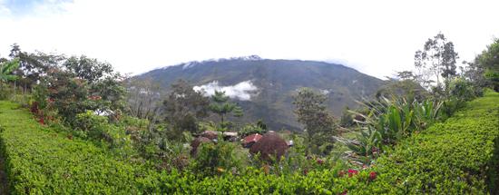 Gunung Elit - Pemandangan dari Honai di Kilise