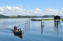 tarif keliling danau Sentani dengan perahu penduduk 10 ribu rupiah