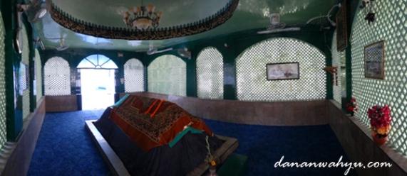 makam Sufi Miskeen Shah Kashmiri