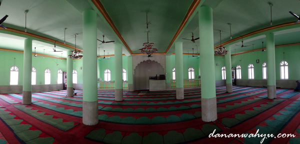 interior Masjid Jami' Kathmandu