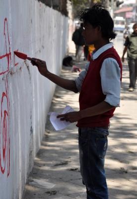 aksi demo damai tapi mengotori dinding :p
