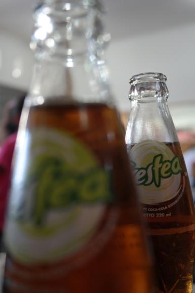 Minuman teh botol
