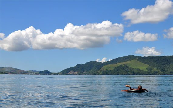 carefree in Sentani Lake