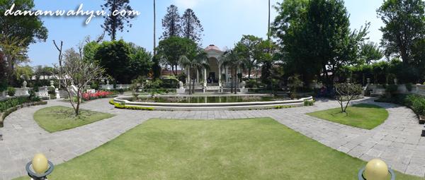 The Dream of Garden , Kathmandu