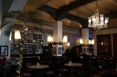 lantai satu Cafe Batavia