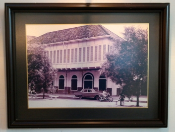 foto bangunan Cafe Batavia tempo dulu