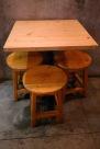 kursi dan meja kayu