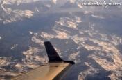 pesawat berputar di puncak Himalaya