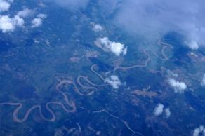 liukan sungai bagai ular di rimba belantara