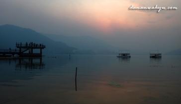 dermaga kecil danau Phewa, Pokhara