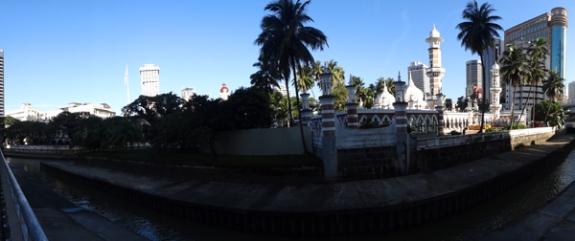 masjid Jameek di tepi sungai Kelang