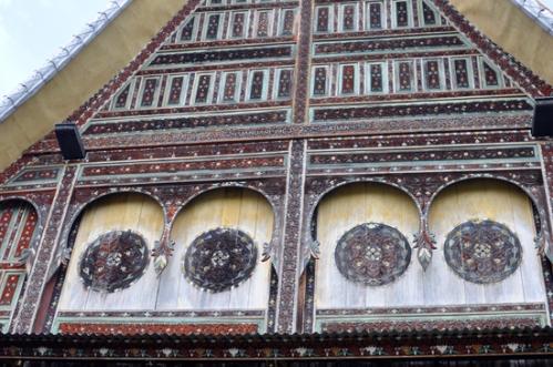 gonjong tempat tulisan tanggal istana direnovasi