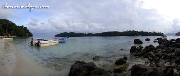 pantai di kampung turis